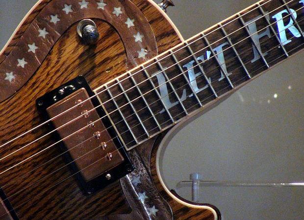 The 6 Best Social Media Platforms for Learning Guitar